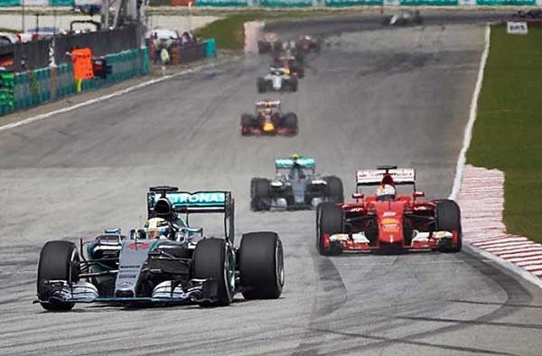 F1-hamilton-vettel-malasia-2015-corrida700