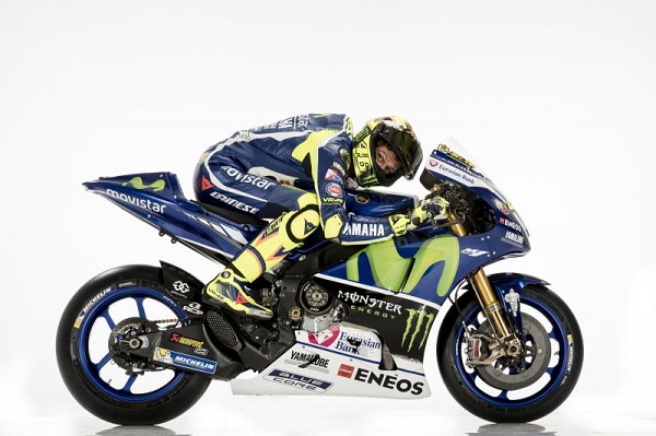 2016ym_rossi_yzr-m1_white_22.middle