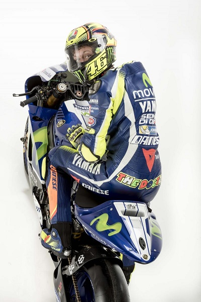 2016ym_rossi_yzr-m1_white_30-copy.middle