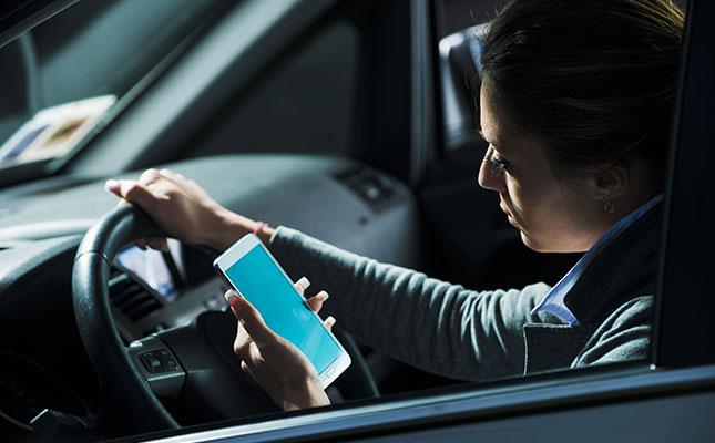 phone-driving_645x400