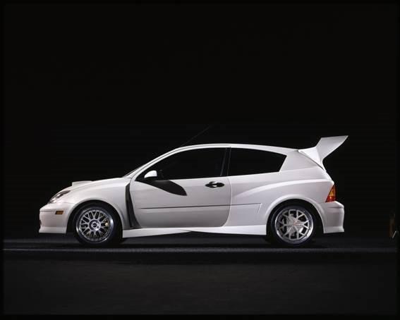 5. Focus FR200, criado como veículo experimental, deu origem ao desenvolvimento de peças de alto rendimento.