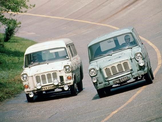 8. Ford Transit em teste de longa duração, em 1972, rodando 16 mil km a uma velocidade de 120 km/h.
