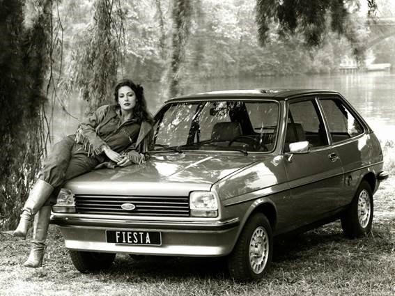 9. Foto de divulgação do Ford Fiesta 1976, que se transformou num ícone de vendas.