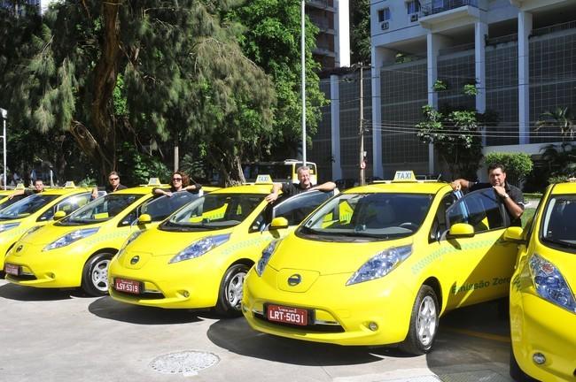 NissanLeaf_Taxis_Rio