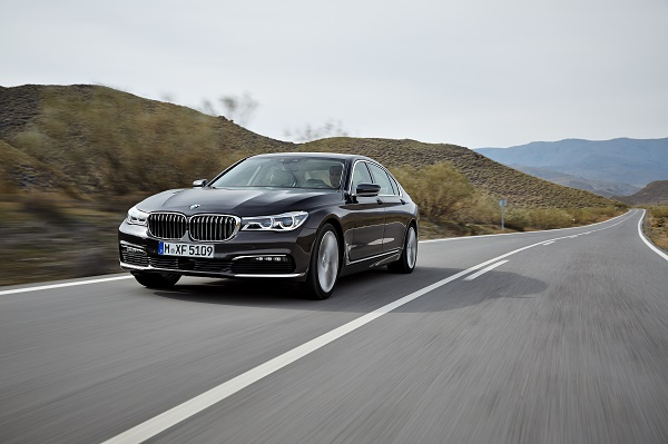 P90178440_highRes_the-new-bmw-7-series