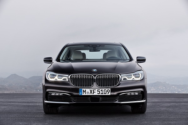 P90178447_highRes_the-new-bmw-7-series