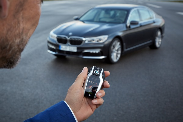 P90178496_highRes_the-new-bmw-7-series