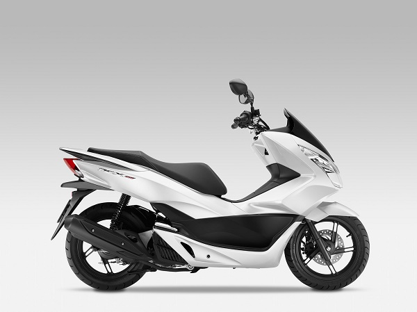 2015-Honda-PCX150a