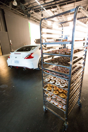 nissan_donut_day_20