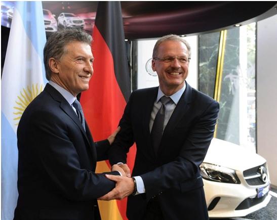 Macri (e) e Volker Mornhinweg, presidente da MB Vans