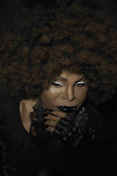 Elza Soares - A Voz e A Máquina_crédito Steph Munnier