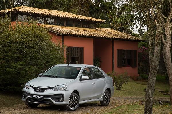 Etios Platinum cota Toyota