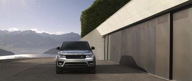 Land Rover informa: sai motor Ford, entra Ingenium diesel e gasolina