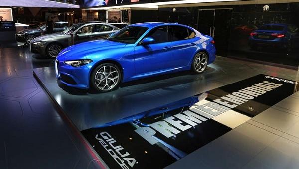 Alfa French Blue, 2,0 Veloce, Super, nomes fortes em sua história.