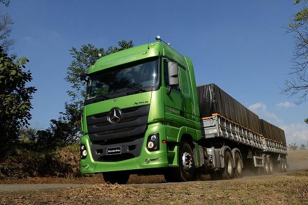 Mercedes Actros, camionhoneiro sugere – e compra