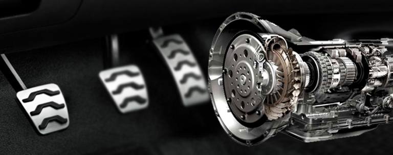 embreagem-pedal-sistema-funciona-carro-troca-marcha-cambio