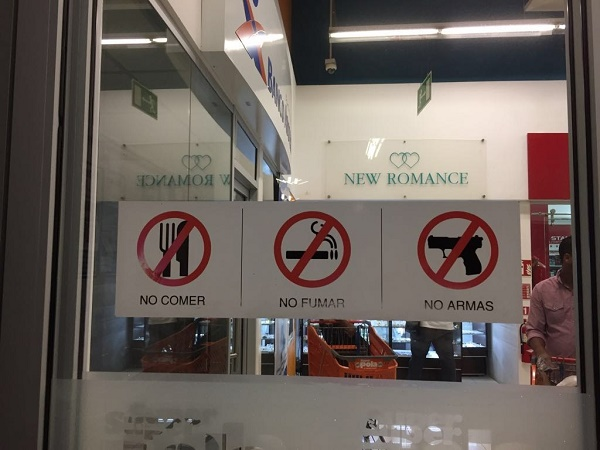 No super mercado cliente não pode entrar armado ...